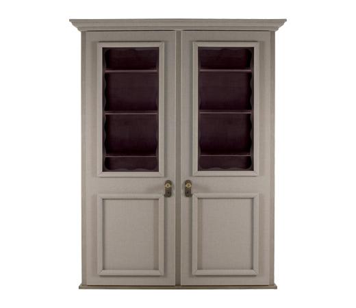 George组合实木衣柜配有两扇、三扇或四扇门,以天鹅绒或亚麻包衬,搭配青铜细节,请参见Promemoria产品目录 | Promemoria