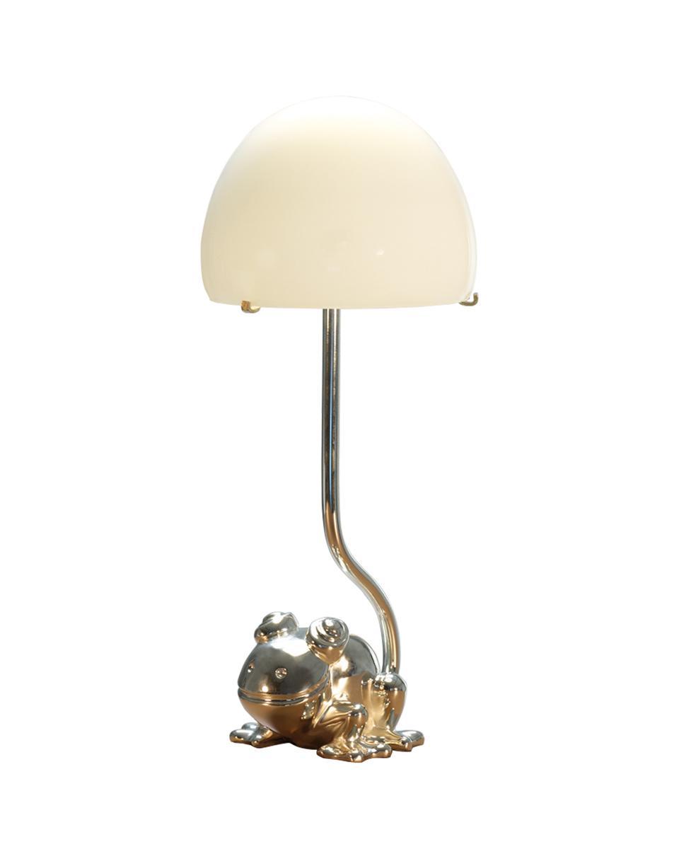 Grenouille LED灯可兼作床头灯,灯罩以穆拉诺玻璃制成,请参见Promemoria产品目录|Promemoria