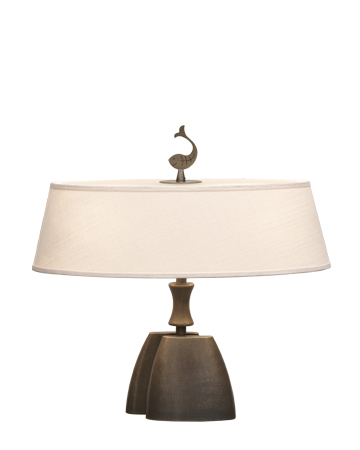 Misultin is a table LED lamp with bronze structure with a linen, cotton or hand-embroidered silk lampshade, from Promemoria's catalogue | Promemoria