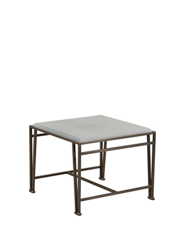 Cernobbio is an outdoor small table with bronze base and marble top, from Promemoria's outdoor catalogue | Promemoria