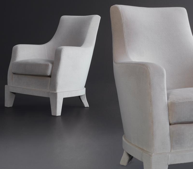 Aziza木质扶手椅以织物或皮革包衬,请参见Promemoria产品目录 Promemoria