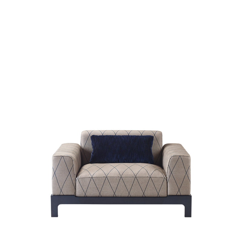 Pullman is a wooden sofa with fabric covering and cushions, from Promemoria's Indigo Tales collection | Promemoria